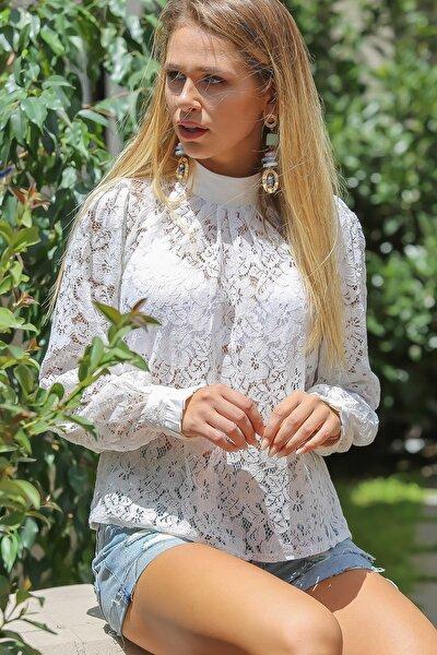 Kadın Beyaz Vintage Dik Yaka Dantel Bluz
