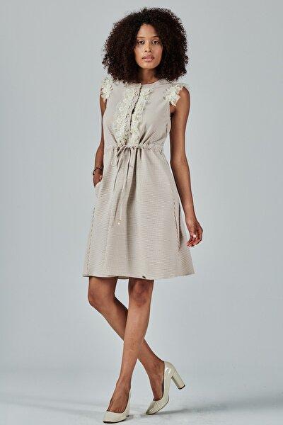 Omuzları Dantel Detaylı Çizgili Elbise Je89621