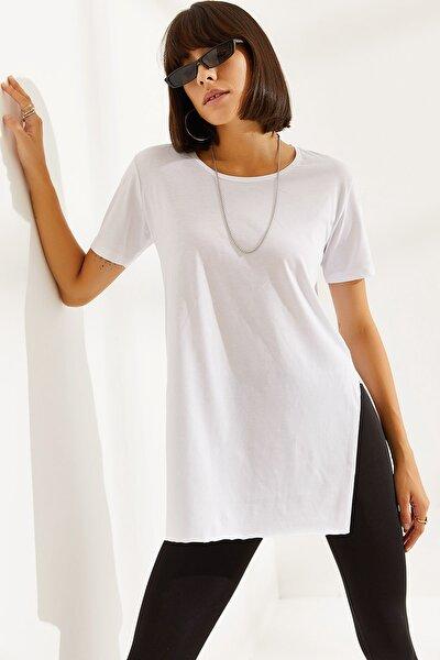 Kadın Bisiklet Yaka Yandan Yırtmaçlı T-shirt