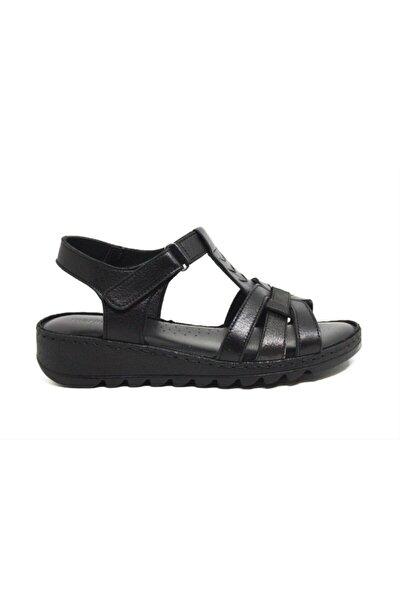 Kadın Siyah Kısa Topuklu Sandalet