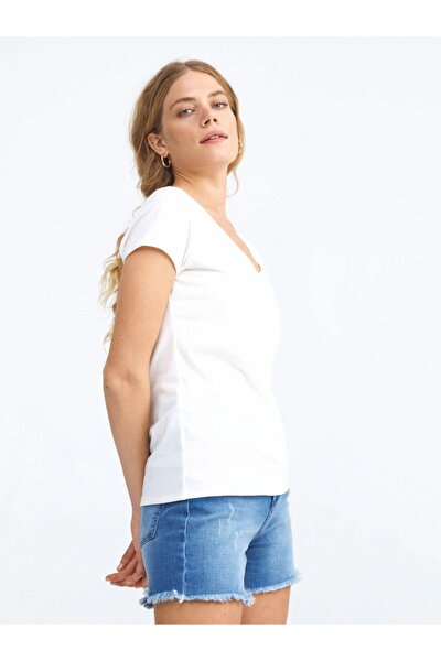 V Yaka Pamuklu Rahat Kesim Basic Tişört