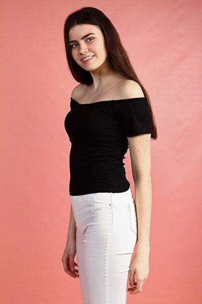 Siyah Omzu Açık Geniş Yakalı Kısa Kollu Basic Kadın Tshirt