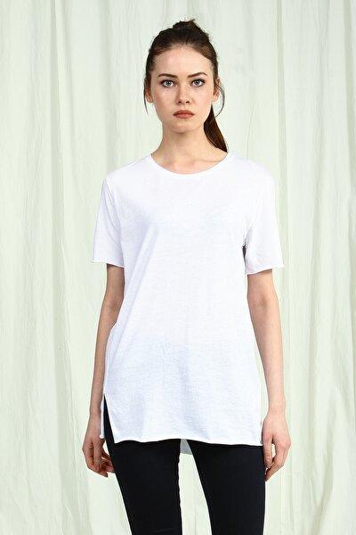Kadın Beyaz Uzun Yanları Yırtmaçlı Basic T-Shirt