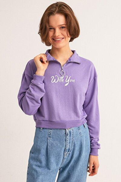 Yarım Fermuarlı Nakışlı Sweatshirt