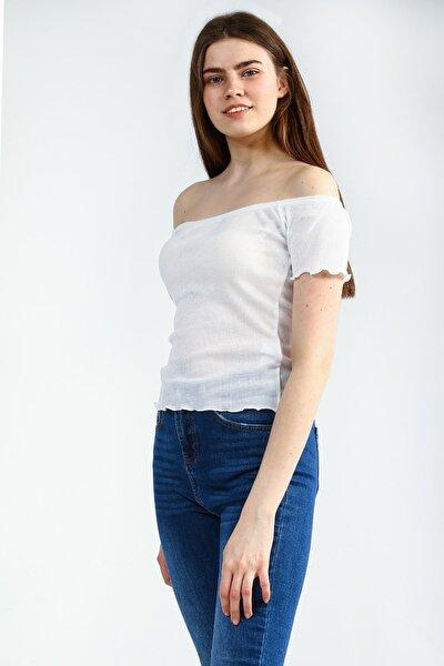 Beyaz Omzu Açık Geniş Yakalı Kısa Kollu Basic Kadın Tshirt