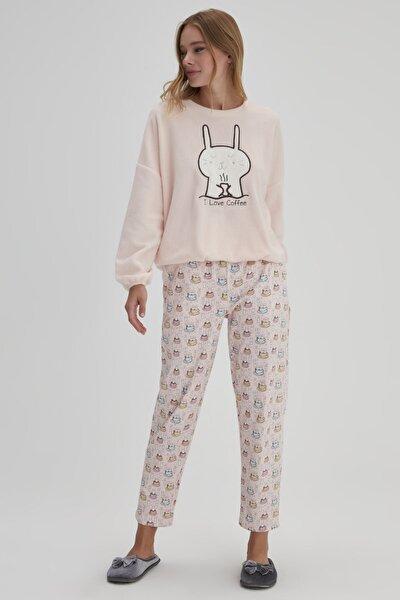 Pembe Kadın O Yaka Tavşan Baskılı Polar Pijama Takımı