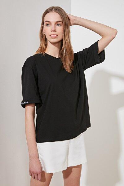 Siyah Katlama Kollu Loose Örme T-Shirt TWOSS20TS0120