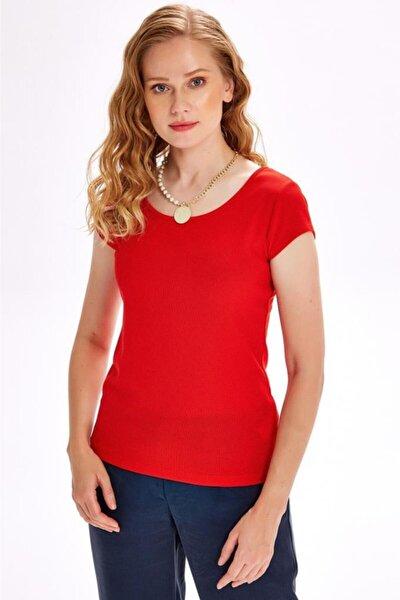 Kadın Kırmızı Arkası Fiyonklu Çapraz Biyeli Kısa Kol Bluz