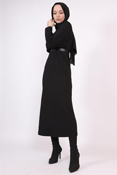 Yaka Detaylı Uzun Tesettür Elbise Siyah