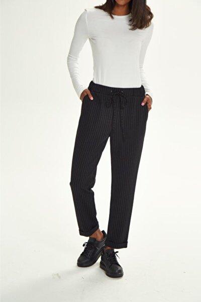 Kadın Siyah Beli Lastikli Bağcıklı Çizgili Cepli Pantolon