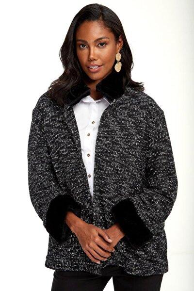 Kadın Siyah Yakası Ve Kolları Kürklü Astarlı Ceket