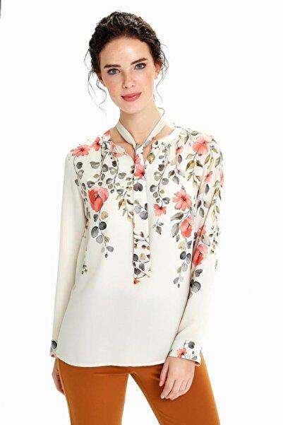 Kadın Bej Yakası Bağcıklı Uzun Kol Desenli Bluz 190-3016-01