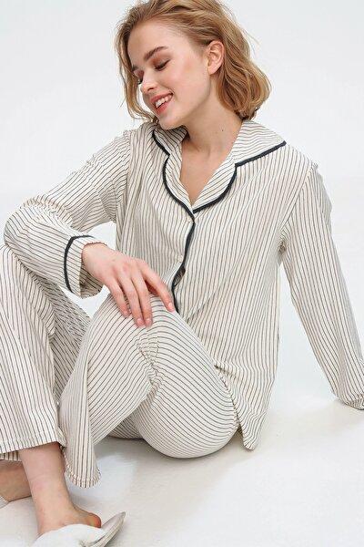 Kadın Ekru Gömlek Yaka İnce Çizgili Pijama Takım ALC-X5582