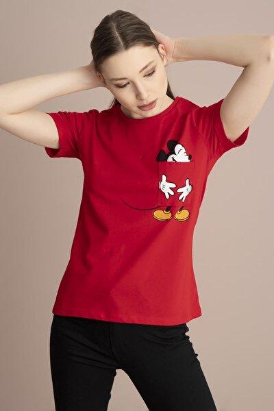 Kadın Kırmızı Bisiklet Yaka Cebinde Mickey Baskı Tişört