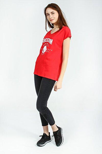 Kadın Kırmızı Önü Baskılı V Yakalı Tshirt