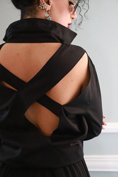 Kadın Sırtı Asimetrik Pencereli Siyah Pamuk Saten Gömlek