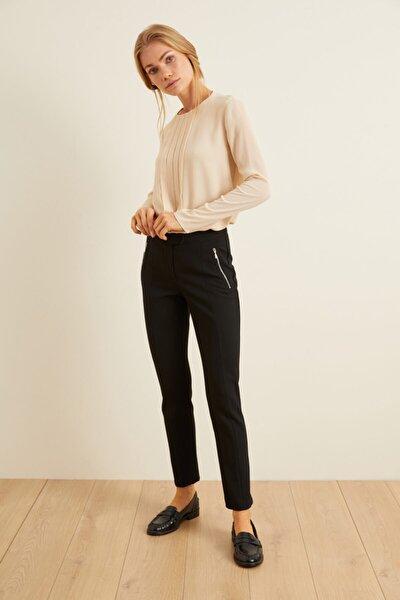 Kadın Siyah Önden Fermuarlı Pantolon