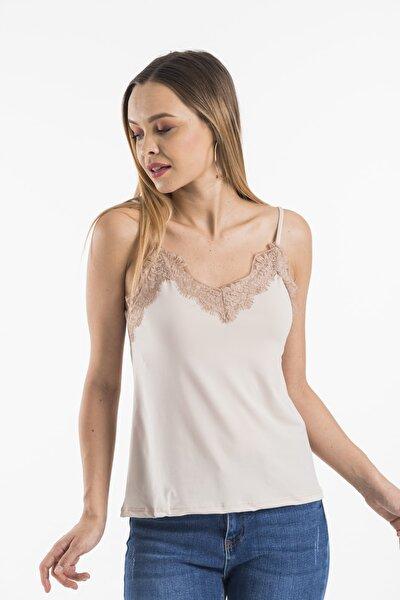 Kadın Yakası Dantelli Ayarlanabilir Ip Askılı Bluz