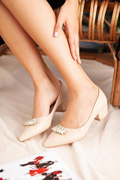 Casey Ten Taşlı Kısa Topuklu Ayakkabı