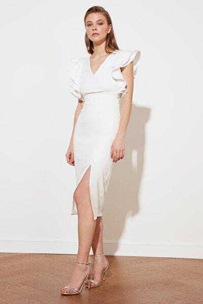 Ekru Fırfır Detaylı  Elbise TPRSS20EL2661