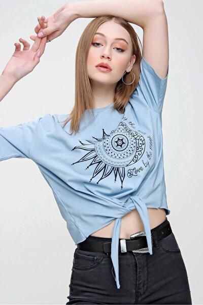 Kadın Önden Bağlamalı Baskılı Kısa T-Shirt