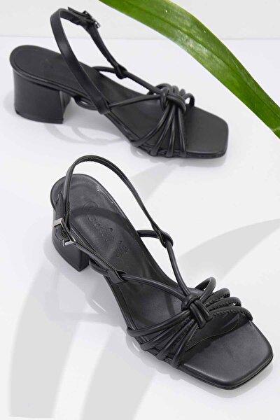 Siyah Kadın Klasik Topuklu Ayakkabı K05888028509