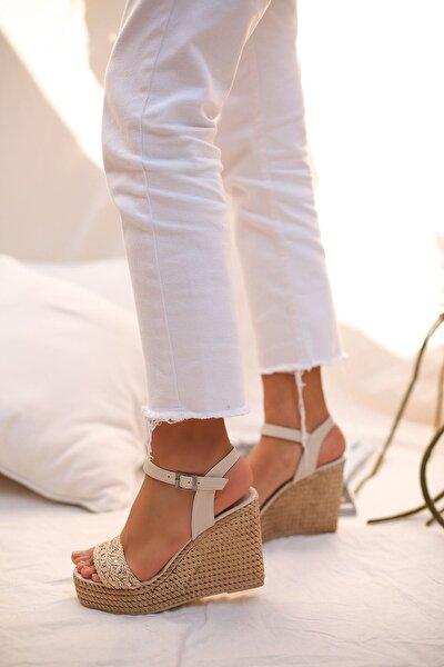 Kadın Ten Taşlı Ve Hasır Işlemeli Platform Topuklu Bayan Sandalet 9012