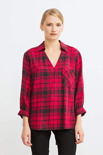 Kadın Eks.Krmz V Yaka Ekose Desenli Bluz