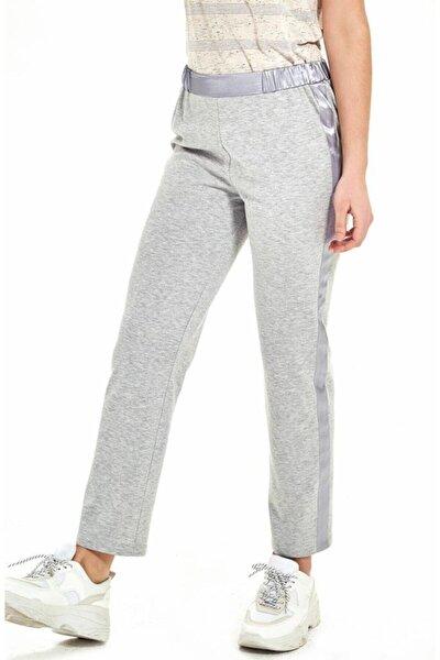 Kadın Gri Yanları Saten Şeritli Beli Lastikli Pantolon