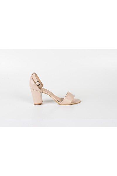 Tek Bant Bayan Ayakkabı