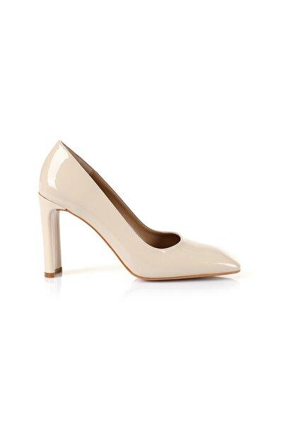 Petra Bej Topuklu Ayakkabı