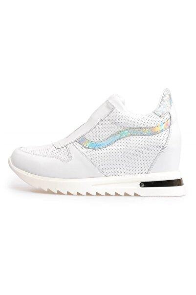 Beyaz Zımbalı Deri Gizli Topuklu Ayakkabı
