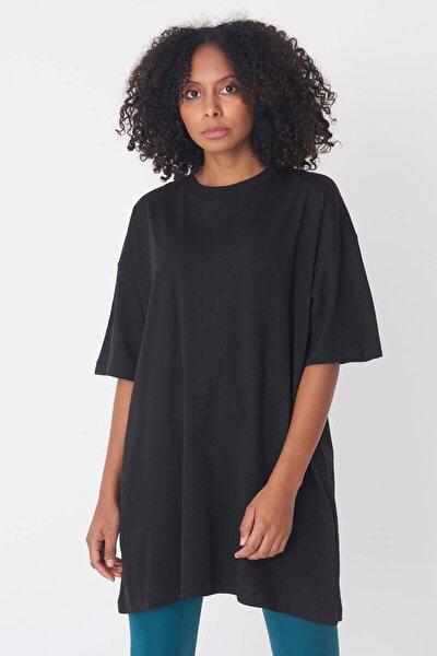 Kadın Siyah Oversize Tişört P0731 - G6 - K7 ADX-0000020596