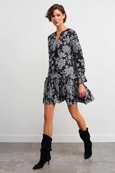 V Yaka Desenli Triko Elbise-siyah