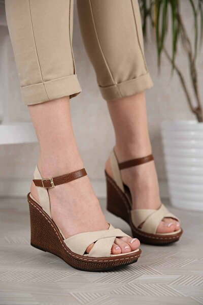 Kadın Bej Keten Çapraz Bantlı Dolgu Topuklu Sandalet