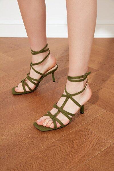Yeşil Küt Burunlu Kadın Klasik Topuklu Ayakkabı TAKSS21TO0037
