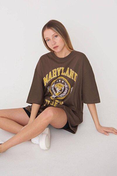 Kadın Kahve Baskılı Oversize T-Shirt P9546 - B5 Adx-0000023996