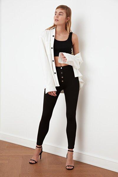 Siyah Düğme Detaylı Örme Pantolon TWOSS21PL0009