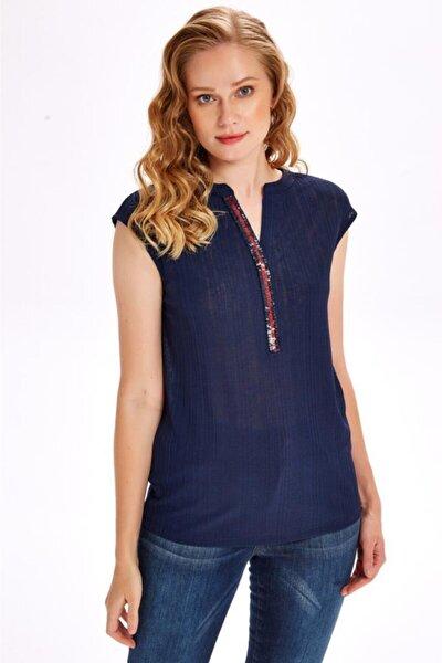 Kadın Lacivert Yakası Payet Şeritli Bluz 020-1049
