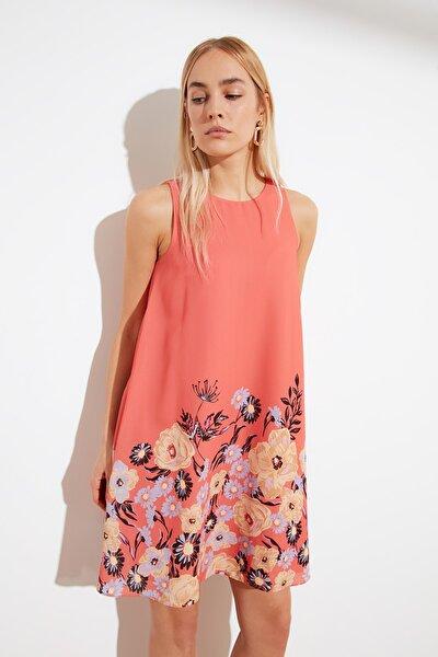 Çok Renkli Desenli Geniş Kesim Elbise TWOSS19BB0215