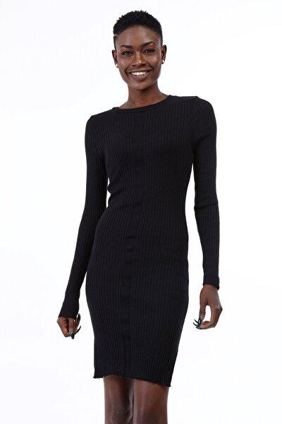Kadın Siyah Bisiklet Yaka Ön Şeritli Triko Elbise