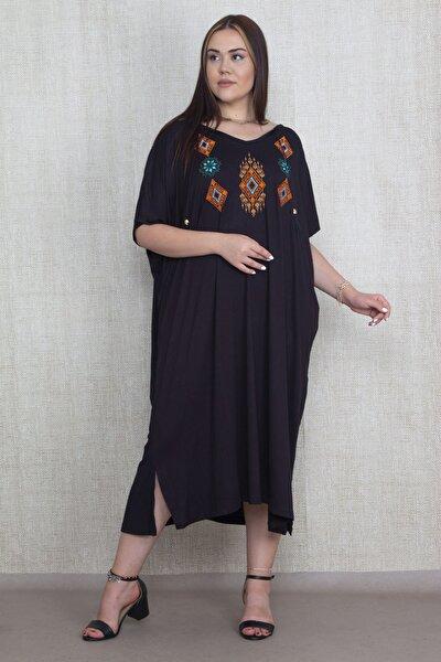 Kadın Siyah Nakış Detaylı Viskon Kumaş Geniş Kesim Düşük Kollu Elbise 65N22056