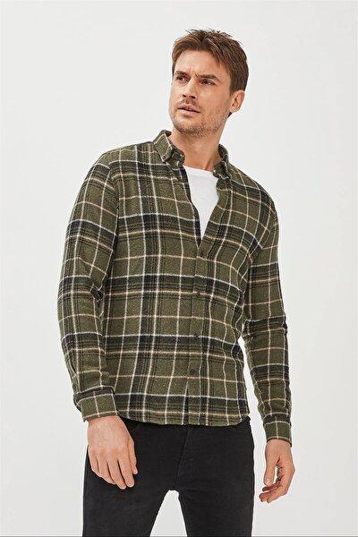 Erkek Haki Ekoseli Düğmeli Yaka Comfort Fit Gömlek A02y2307