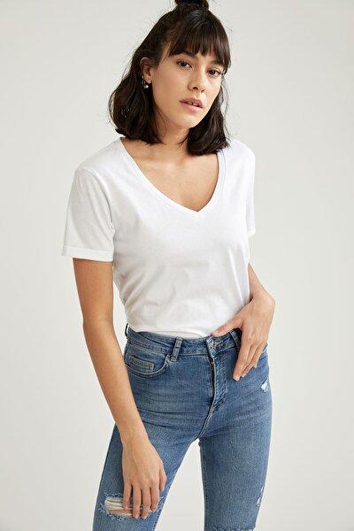 Kadın V Yaka Relax Fit Tişört