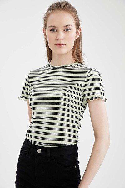 Kadın Yeşil  Regular Fit Çizgili Kolu Fırfırlı Tişört