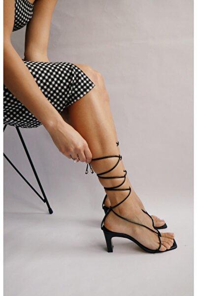 Siyah Cilt Parmak Arası Sandalet