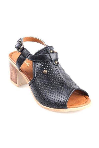 Pc-2434 Ortapedik Kısa Topuk Siyah Bayan Deri Sandalet