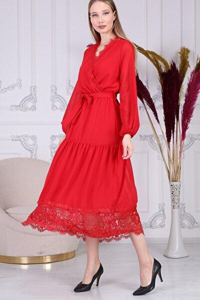 Güpür Detay Kuşaklı Kırmızı Şifon Elbise