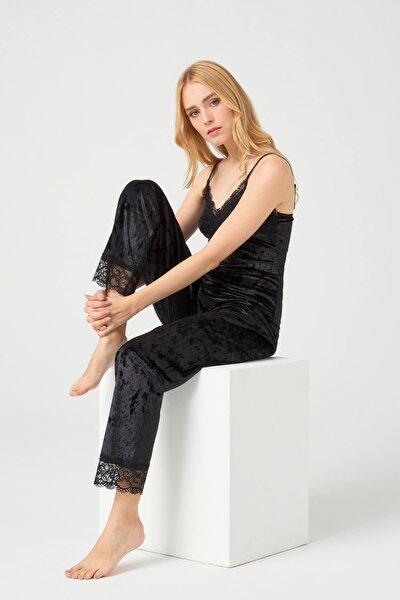 Siyah Dantel Detaylı Kadife Kadın Pijama Takımı