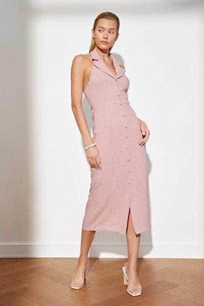 Pembe Kareli Düğmeli Elbise TWOSS21EL3581